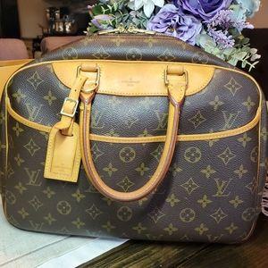Sold💜Louis Vuitton Deauville Bag Monogram